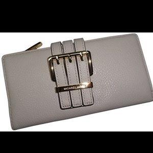 NWT MK gansevoort wallet